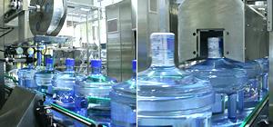 リターナブルボトルの水